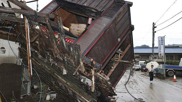 Unwetter in Japan: 35 Tote, 200.000 Menschen auf der Flucht