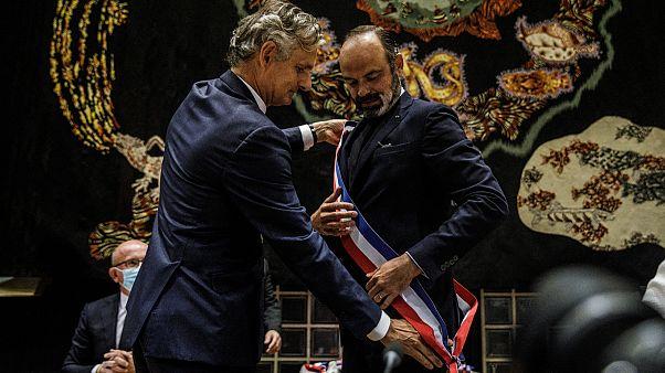 شاهد: إعادة انتخاب رئيس الوزراء الفرنسي السابق إدوار فيليب رئيساً لبلدية هافر