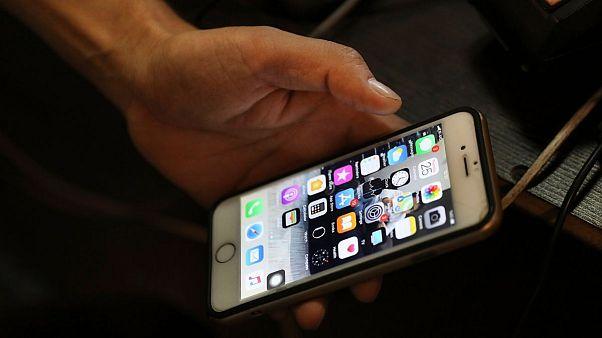 واردات و رجیستر گوشیهای بالای ۳۰۰ یورو در ایران ممنوع شد