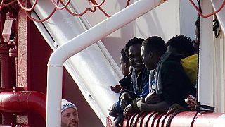 پایان وضعیت اضطراری در کشتی حامل مهاجران در دریای مدیترانه