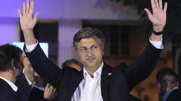 Премьер Хорватии Пленкович может праздновать победу