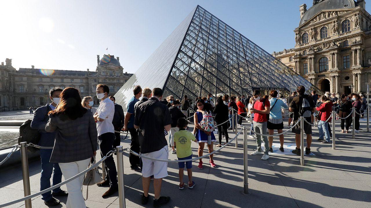 Γαλλία: Άνοιξε και πάλι το μουσείο του Λούβρου