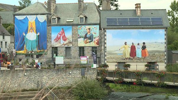 Le festival photo à La Gacilly, en Bretagne.