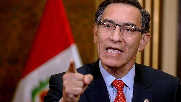 El Congreso peruano vota quitar la inmunidad al presidente y los ministros