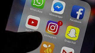 Facebook ve WhatsApp'tan kullanıcı bilgilerini Hong Kong hükümeti ile paylaşmama kararı