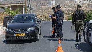 الحكومة الفلسطينية تطالب إسرائيل بإغلاق المعابر لمواجهة كوفيد-19