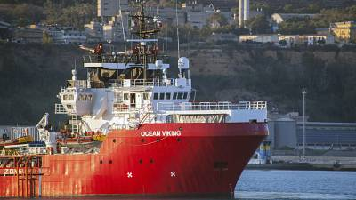 Ocean Viking: 180 migrants begin disembarking rescue ship in Sicily