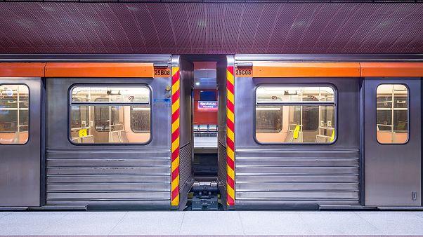 Αθήνα: Τουλάχιστον 63.000 επιβάτες θα χρησιμοποιούν από σήμερα τους νέους σταθμούς του μετρό