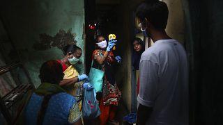 Ινδία: Ξεπέρασαν τους 20.000 οι νεκροί εξαιτίας της COVID-19
