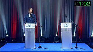 Rafal Trzaskowski et le podium vide d'Andrzej Duda, les deux candiadats à la présidentielle en Pologne /TVP
