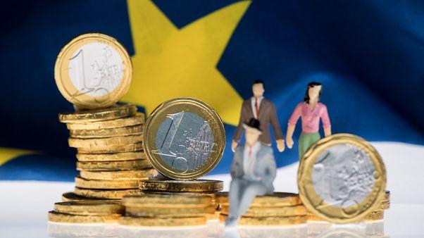 Κομισιόν για Ελλάδα: Ύφεση 9% για φέτος - Ποιες οι προβλέψεις για την ανάπτυξη