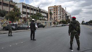 Suriye'nin başkenti Şam'da Esad yönetimine bağlı asker ve polisler