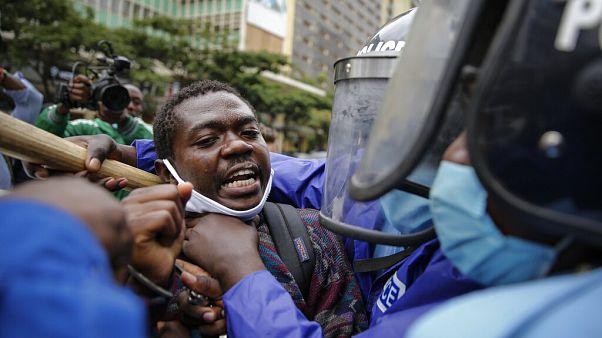 Protesto em Nairóbi acaba com dezenas de detenções