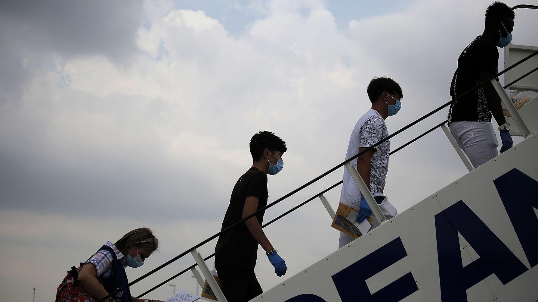 Αποτέλεσμα εικόνας για ασυνοδευτα προσφυγοπουλα αθηνα