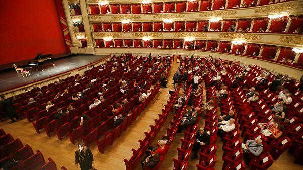 Icónico La Scala reabre portas depois de 4 meses encerrado