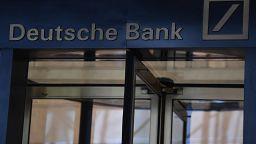 Epstein'in 'şüpheli işlemleri' nedeniyle Deutsche Bank'a 150 milyon dolar para cezası