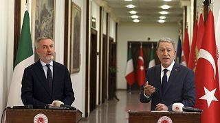 Ταξίδι - αστραπή του Ιταλού υπουργού Άμυνας στην Τουρκία