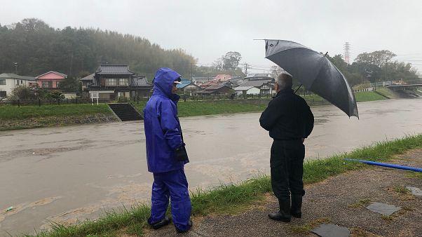 Ιαπωνία: Δεκάδες θύματα από τις φονικές καταιγίδες
