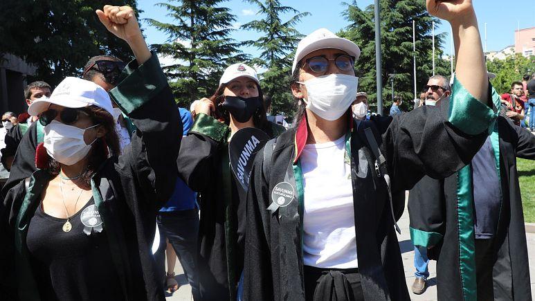 İnsan Hakları İzleme Örgütü'nden baro birliği değişiklik önerisine tepki: 'Böl yönet taktiği'