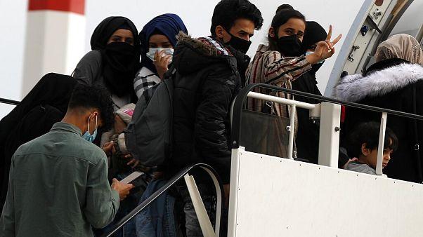 Αθήνα: Αναχώρηση 24 ασυνόδευτων ανηλίκων από τους συνολικά 100 για τη Φινλανδία