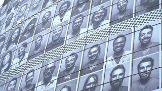 شاهد: تغطية واجهة الأوبرا في باريس بصور أفراد طواقم طبية تقديرا لمكافحتهم كورونا