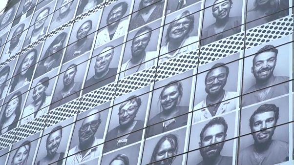 Les visages de ceux qui ont soigné les malades du covid-19