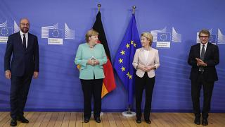 Streit um Corona-Hilfen: Merkel berät, Conte mahnt