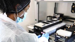 Dutzende aktive Coronavirus-Cluster in Frankreich