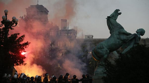 Белград: новые протесты против повторного карантина