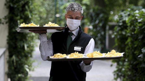 Maske auf: Kärnten und Oberösterreich wollen durchgreifen