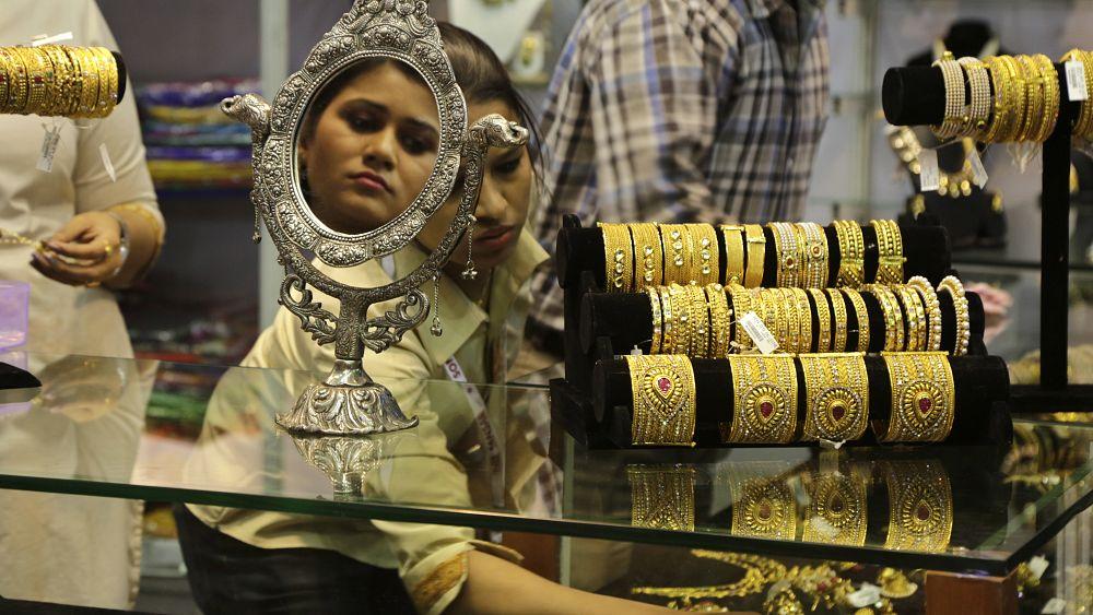 Gram ve çeyrek altın rekor tazeledi, peki fiyatlar neden yükseliyor?