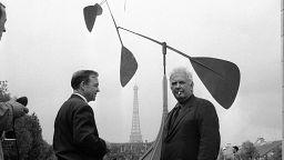 منحوتة ضخمة للفنان الأمريكي ألكسندر كالدر تباع بخمسة ملايين يورو في باريس