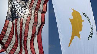 ABD ve Kıbrıs bayrakları