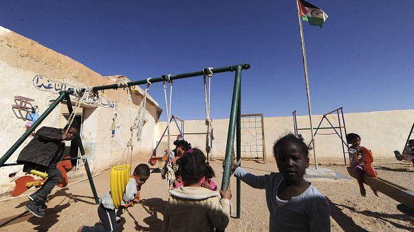 Un grupo de niños en el campo de refugiados saharauis de Smara