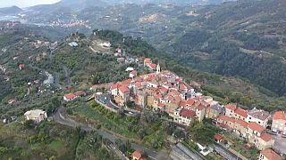 قرية سيبورغا المطلة على الريفييرا الإيطالية تسعى إلى انتزاع اعتراف دولي بها كإحدى أصغر الدول في العالم