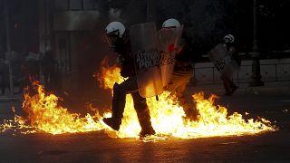 Επεισόδια, τραυματισμοί και συλλήψεις στο κέντρο της Αθήνας