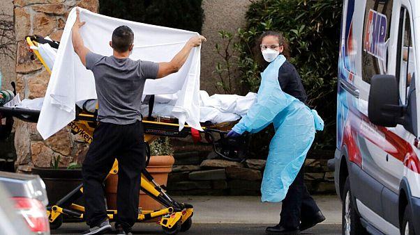 انتقال بیماران مبتلا به کرونا در آمریکا