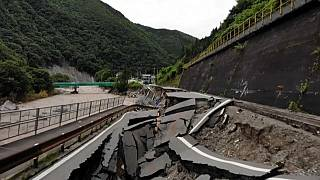 شاهد: الفيضانات تخلف دمارا واسعا في أنحاء مختلفة من اليابان
