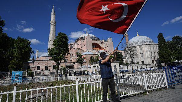 La justice turque ouvre la voie à la transformation de l'ex-basilique Sainte-Sophie en mosquée