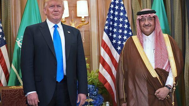 السعودية نيوز |      أعضاء في مجلس الشيوخ يطلبون من ترامب المساعدة في الإفراج عن نجلي مساعد سابق لمحمد بن نايف