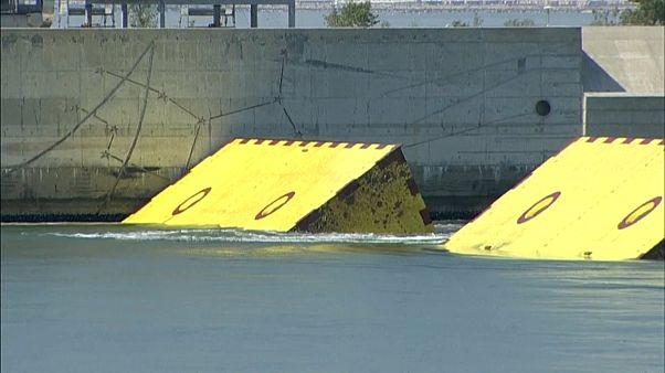 خاکریزهای دریایی متحرک در ونیز برای محافظت شهر از سیلاب