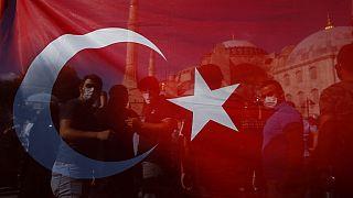 Críticas sobre reconversão de Hagia Sophia em mesquita