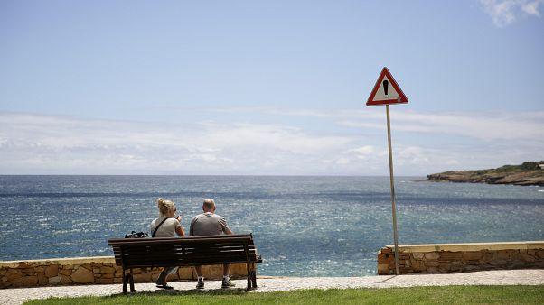 Британцы не едут на португальские курорты