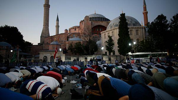فرنسا: قرار تحويل آيا صوفيا إلى مسجد يشكك في علمانية تركيا
