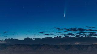 Çeyrek asrın en parlak kuyruklu yıldızı Dünya'ya en yakın konumdan geçti