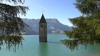 Hogy kerül egy templom a tóba?