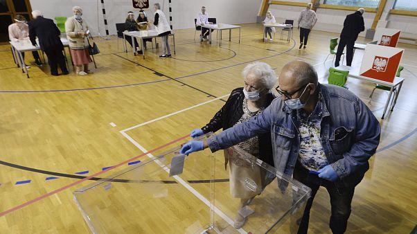 Президентские выборы в Польше: кандидаты голосуют