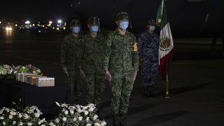 Llegan a México las cenizas de los migrantes fallecidos por COVID19 en Estados Unidos