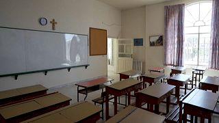 Les bancs de l'école Notre Dame de Lourdes à Zahlé (Liban) resteront vides à la rentrée.