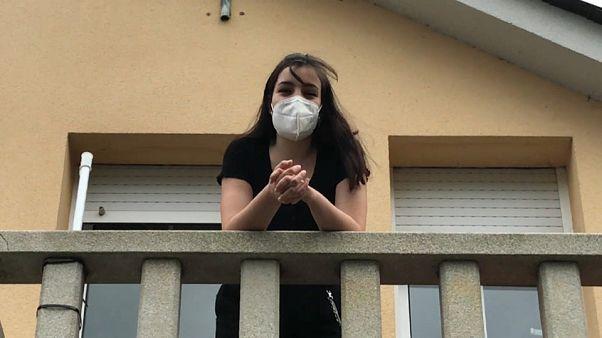 María, confinada en su domicilio